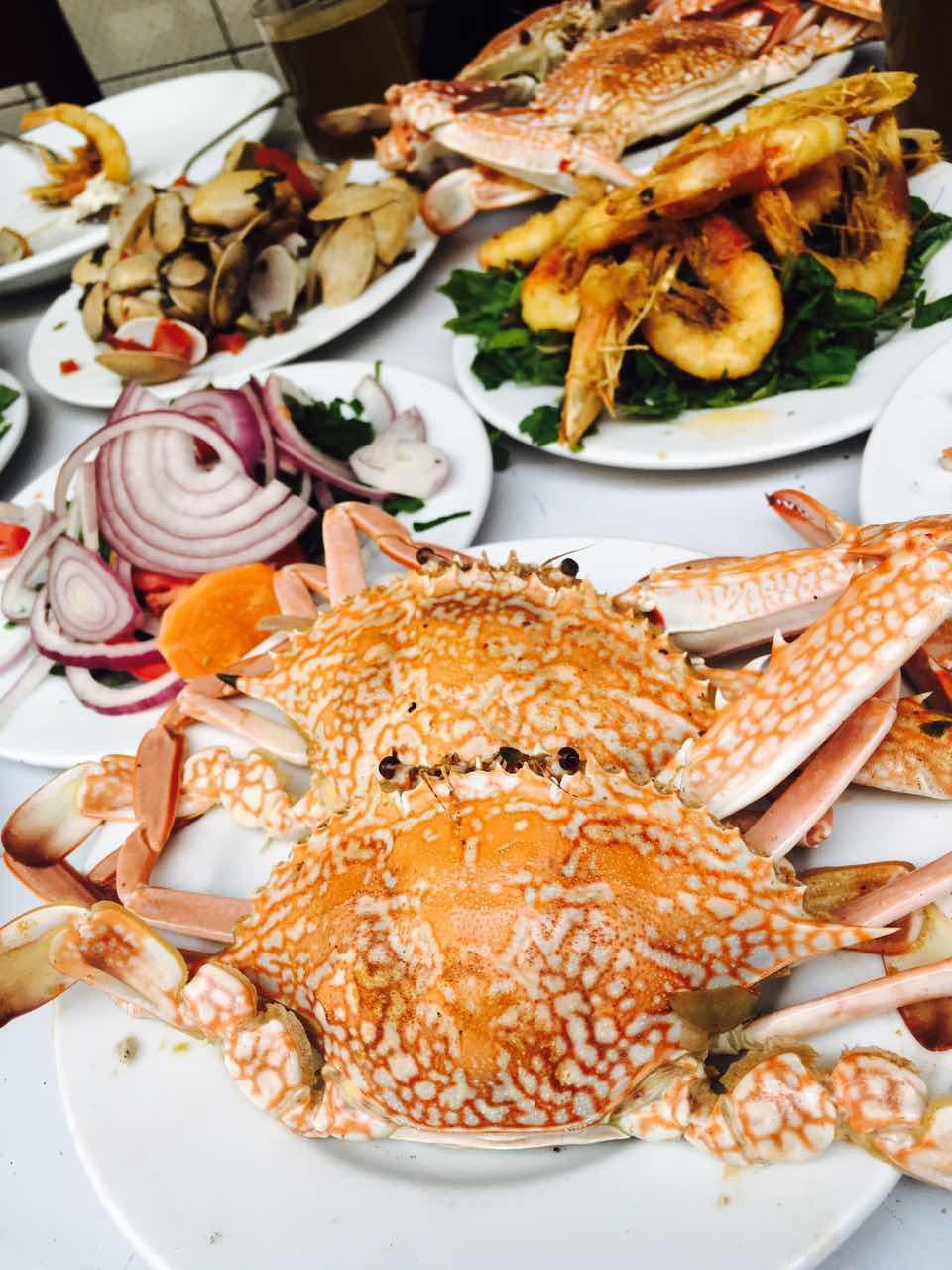满桌的海鲜大餐